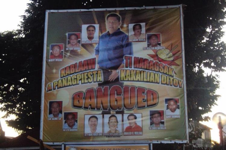 Anti-Epal: A huge tarpaulin of Abra Officials displayed at Bangued Town Plaza.