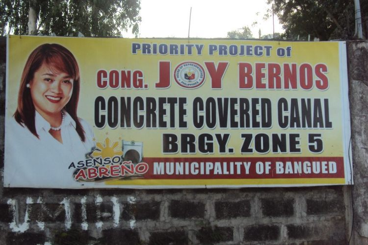 Anti-Epal: Cong. Joy Bernos Priority Project giant tarp displayed in zone 5.