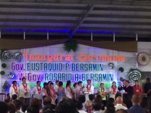 Governor Takir Bersamin taking his oath of office