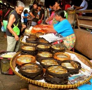 Sinuuban (Smoked Fish) @Bangued Public Market - photo by abrenian.com