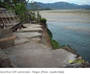 Abra River Cliff Eroded - Pidigan, Abra, Joselito Balla
