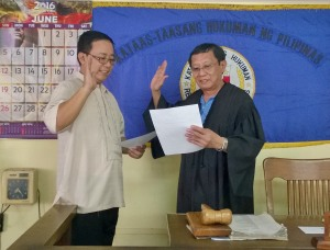 Atty Brix Bachiller took his Oath of Office before Judge Red Valera
